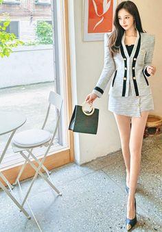 Beautiful Asian Women, Beautiful Legs, Korean Beauty, Asian Beauty, South Korea Fashion, Fashion Models, Girl Fashion, Good Looking Women, Great Legs
