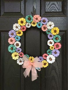 Ideas For Diy Front Door Decorations Crafts Pine Cones Pine Cone Art, Pine Cone Crafts, Pine Cones, Pine Cone Flower Wreath, Floral Wreath, Spring Front Door Wreaths, Spring Wreaths, Summer Wreath, Painted Pinecones