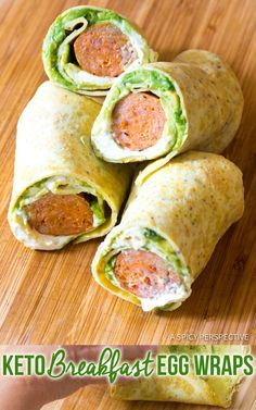 Low Carb Keto Breakfast Egg Wrap Recipe, Stuffed With Sizzling Chicken Sausage, Avocado, And Jalapeno Cream Cheese This Filling Meal Makes Great Leftovers, And Lunchbox Wraps. Via Spicyperspectiv Best Keto Breakfast, Keto Breakfast Smoothie, Ketogenic Breakfast, Avocado Breakfast, Healthy Breakfast Wraps, Breakfast Omelette, Breakfast Hash, Vegetarian Breakfast, Breakfast Cookies