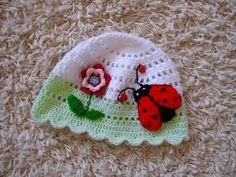 čepička Crochet Baby Hat Patterns, Crochet Baby Hats, Crochet For Kids, Knitted Hats, Crochet Needles, Knit Crochet, Baby Slippers, Crochet Books, Lady Bug