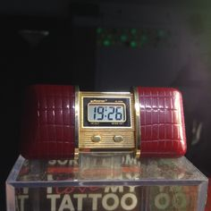 Vintage Piratron P 9973 Folding Clock LCD Dispaly Alarm Date Japan.Price ?offer your self