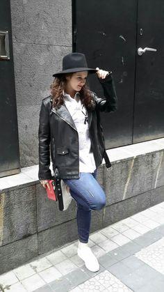 Biker negra,sombrero- Enredando en mi armario