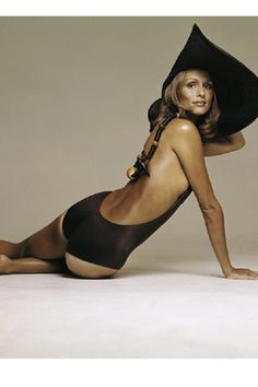 Lauren Hutton supermodel: Fell in love with he when I was just a pup. Seventies Fashion, 70s Fashion, Vintage Fashion, Natalia Vodianova, Lily Aldridge, Claudia Schiffer, Cindy Crawford, Top Models, Heidi Klum