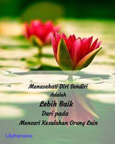 Kata mutiara Quotes Sahabat, Best Quotes, Morning Greetings Quotes, Good Morning Quotes, Muslim Quotes, Islamic Quotes, Self Reminder, Caption Quotes, Morning Wish