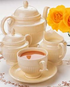 Info on Afternoon Tea, Cream Tea & High Tea.  Edme by Wedgewood....I have this set.