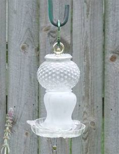 glass-totem-birdfeeder