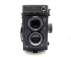 Yashica Mat 124 G TLR 6x6 - Medium Format Camera - Yashicamat - Twin Lens Reflex   Awesome Quality TLR camera made by Yashica. This was the Best Model Yashica made. The camera body is in good condition, there are some sings of use, but its in perfect working condition, shutter fires at all speeds, the viewfinder is clean.  The camera comes with a 80mm f/3.5 lens. It produces wonderful razor sharp image. The lens is clean an clear of any scratches, fungus or fogging. It functions flawless...
