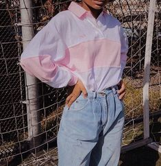 aesthetic fashion guide and tips 80s Fashion, Look Fashion, Korean Fashion, Fashion Outfits, 80s Womens Fashion, Vintage Fashion 90s, Girl Fashion, Fashion Shirts, Fashion Belts