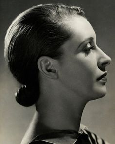 Publication: Vanity FairImage Type: PhotographDate: May A side view of model Marion Morehouse with her hair pulled back. Profile View, Side Profile, Drawing The Human Head, Nickolas Muray, Pulled Back Hairstyles, Female Profile, Raw Beauty, Women In History, Side View