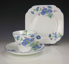 Gladstone China Flower Handle Cup Saucer & Plate Trio - Art Deco! #CupsSaucers White Tea Cups, Gladstone, Vintage China, Teapots, Teacup, Tea Set, Bone China, Cup And Saucer, Tea Time