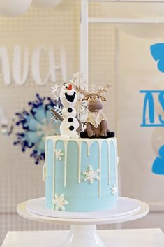 Tanya G's Birthday / Frozen (Disney) - Photo Gallery at Catch My Party Frozen First Birthday, Frozen Themed Birthday Party, Elsa Birthday, Themed Birthday Cakes, First Birthday Cakes, Frozen Themed Birthday Cake, Birthday Parties, Disney Birthday, 2nd Birthday