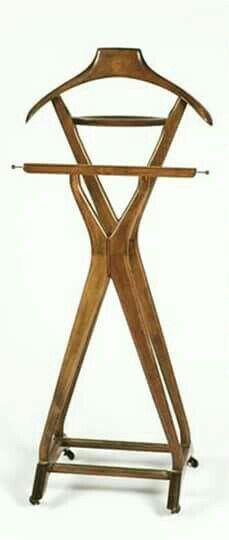 Cabideiro de quarto  Em madeira
