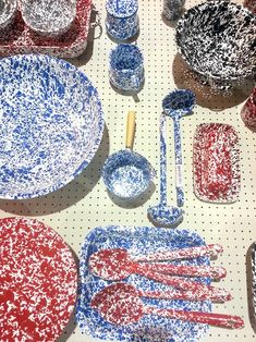 Na lojinha da feira, peças com efeito Pollock fizeram sucesso!