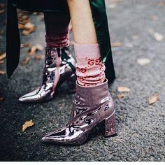 Trends: all the ankle boots we'll wear in 2018 (The Blonde Salad) Adidas Sl 72, Adidas Nmd, Adidas Samba, Cool Street Fashion, Look Fashion, Paris Fashion, Spring Fashion, Fashion Shoes, Look Street Style