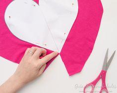 Cómo hacer un cojín corazón sin costuras - Guía de MANUALIDADES Crochet, Amelie, Ideas, Fashion, Tela, No Sew Pillows, Make Pillows, Cushion Covers, Bedspread
