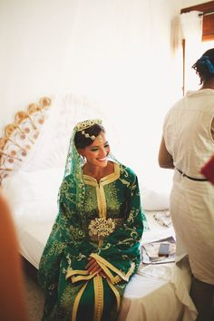 We look at part two of Leïla and Arnauld's beautiful Moroccan wedding in Casablanca with traditional ceremonies and gorgeous photographs by Claire Eliza Photography. Moroccan Bride, Moroccan Wedding, Moroccan Caftan, Moroccan Style, Moroccan Henna, Style Marocain, Oriental Wedding, Traditional Wedding Dresses, Bridal Musings