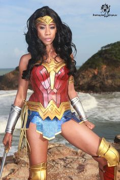Panterona is a talented cosplayer from Trinidad and she's winning headlines with this strong Wonder Woman cosplay. The outfit is based on the Batman v Supe