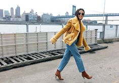 Street style details from Fashion week  – Womanly Beaufash