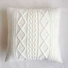 アラン模様のクッションカバー- 編み物キットオンラインショップ・イトコバコ