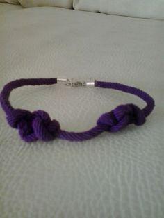 Double knots purple bracelet