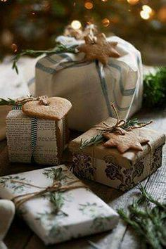 Natural Christmas I I A Christmas Story, Country Christmas, Christmas Colors, Winter Christmas, Merry Christmas, Green Christmas, Christmas Gift Wrapping, Christmas Presents, Christmas Crafts