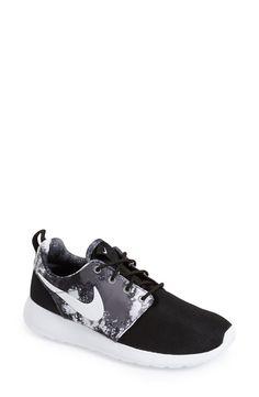 'Roshe Run' Print Sneaker