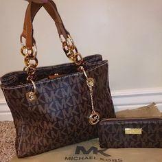 b1a8d0a9e4 371 Best michael kors handbags images