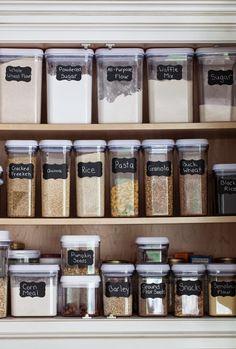 70 Smart Small Kitchen Organization Hacks Ideas - Own Kitchen Pantry Small Kitchen Organization, Diy Kitchen Storage, Pantry Storage, Kitchen Pantry, Rustic Kitchen, New Kitchen, Home Organization, Food Pantry Organizing, Organize Spices
