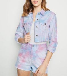 The rough feel that accompanies the denim jacket and the ripped jeans really can provide you that tough look which you will wish to have fun achieving Casual Office Attire, Business Casual Outfits, Cute Casual Outfits, Double Denim Looks, New Look Uk, Pink Denim Jacket, Pantalon Large, Jeans Skinny, Teen Fashion Outfits
