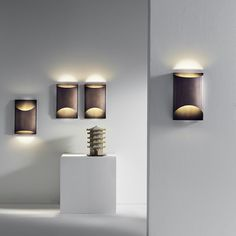 Wall lamps with metal structure in the finishes: glossy inox steel, brushed bronze and white varnished. Copper Lighting, Metal Structure, Wall Sconces, Wall Lamps, Lighting Design, Modern Design, Wall Lights, Applique, Steel