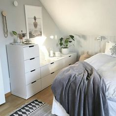 3 Best Cool Ideas: Minimalist Home Modern Tiny House minimalist decor kids black white.Dark Minimalist Interior Accent Walls colorful minimalist home herringbone floors.Zen Minimalist Home Simple. Stylish Bedroom, Cozy Bedroom, Home Decor Bedroom, Ikea Bedroom, Bedroom Furniture, Upstairs Bedroom, Bedroom Small, Bedroom Storage, Furniture Ideas