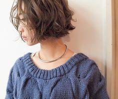 ニュアンスウェーブ . スタイリングの手助けをしてくれます . 髪質や、ダメージ、ライフスタイルにあわせたデザインでご提案します . 。 . #ハンサム #くせ毛風 #ボブ #きりっぱなしボブ #大人可愛い #ボブ #ショートボブ #パーマ #大人かわいい #ヴィンテージファッション #カジュアルコーデ #春ヘア #ハンサム #fudge #cluel #onkul