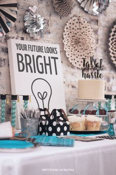 """DIY a fabulous """"Your Future Looks Bright"""" graduation party with these tips and free printables."""