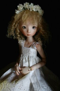 Luce, bjd doll by Linda Macario