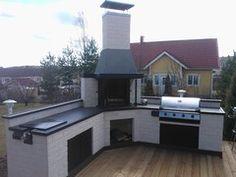 Kesäkeittiö Ruotsinkylä Outdoor Kitchen Plans, Outdoor Kitchen Design, Bbq Kitchen, Summer Kitchen, Patio Grill, Backyard Patio, Barbacoa Jardin, Barbeque Design, Outdoor Stone Fireplaces