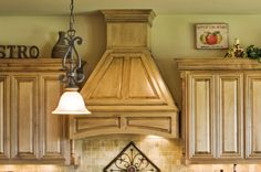Wood vent hood for modern and traditional kitchen ideas decorated between the wooden kitchen cabinet plus Wood Hood Vent, Kitchen Vent Hood, Espresso Kitchen Cabinets, White Kitchen Appliances, Corner Stove, Kitchen On A Budget, Kitchen Ideas, Wooden Kitchen, Traditional Kitchen
