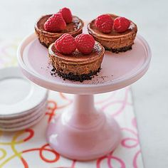 Utterly scrumptious and the perfect size, Mini Mexican Chocolate Cheesecakes are amped up with vanilla, cinnamon, and cayenne for the perfect kick. Mini Desserts, Easy Desserts, Delicious Desserts, Dessert Recipes, Dessert Ideas, Wine Recipes, Mexican Chocolate, Decadent Chocolate, Chocolate Cheesecake Recipes