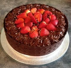 Chocolate Mud Cake with chocolate collar