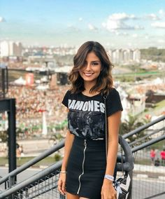 Cool rock black look Popular Ladies Street Style Outfits, Rock Outfits, Trendy Outfits, Fall Outfits, Summer Outfits, Cute Outfits, Fashion Outfits, Womens Fashion, Black Skirt Outfits