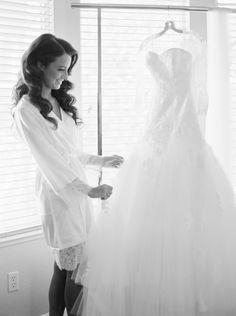 Photography: Mariel Hannah - marielhannahphoto.com   Read More on SMP: http://www.stylemepretty.com/2016/03/14/organic-style-wedding-in-sacramento/