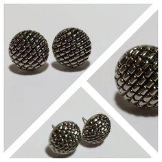 maravillosos aros plateados diseño muralla / wall earrings design, fantasy jewelry  / chile fashion trends  http://instagram.com/mentaviolenta https://www.facebook.com/tiendamentaviolenta