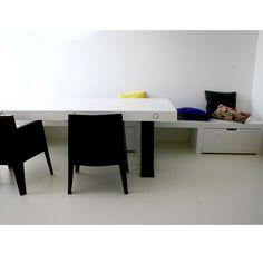 Wandbank en tafel | Justus & Tjebbo Interieur