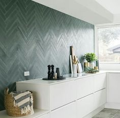 Thank you to for bringing an article on tiles last week with good information on concrete tiles in general. And with pictures from the cool kitchen of with STIX concrete tiles on the wall in the color Russian Blue Black. Bathroom Inspiration, Interior Inspiration, Terrazzo, Industrial Kitchen Design, Kitchen Hoods, Bathroom Trends, Little Kitchen, Home Hacks, Fashion Room