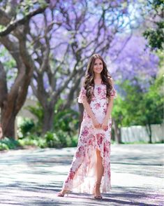 Floral Maxi Dress, Maxi Dresses, High Low Gown, Summer Looks, Passion For Fashion, Outfit Of The Day, What To Wear, Winter Fashion, Feminine