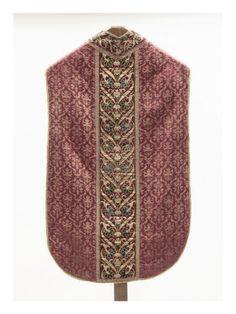 Chasuble avec orfrois brodés, motifs floraux et arabesques - Musée national de la Renaissance (Ecouen)