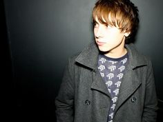 Alex Arnold ... want to screw his brains out :) Plays Rich Hardbeck on Skins!