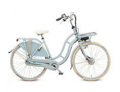 An Electric Bike!: De Lola Jo is een zeer stijlvolle en sierlijke transportfiets, die nu ook te verkrijgen is als elektrische fiets; de Lola Jo electric.  Deze transportfiets heeft een fraai en sierlijke design en is voorzien van een stevige voordrager waaronder de accu op een slimme manier is weggewerkt. Lekker retro en toch helemaal in het nu! Daarnaast kun je zelf je accu kiezen; bepaal dus zelf je actieradius en prijs.