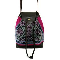 The Sirii is a great every day draw string cross body bag. Accompanied by leather trimmings, the Sirii is constructed from hand made hill tribe textiles. Boho Gypsy, Baggage, My Bags, Fair Trade, Cross Body, Crossbody Bag, Textiles, Draw, Store
