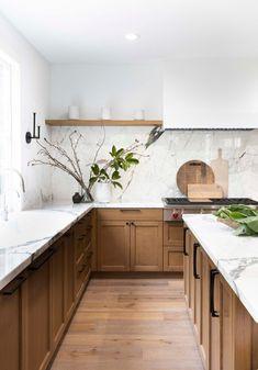 New Kitchen, Kitchen Dining, Kitchen Decor, Kitchen Cabinets, Kitchen Ideas, Natural Kitchen, Kitchen Island, Shop Interior Design, Interior Design Kitchen