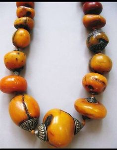 Large amber beads with silver ends, Tibet / c Archives sold Singkiang Ethnic Jewelry, Tibetan Jewelry, Chunky Jewelry, African Jewelry, Amber Jewelry, Beaded Jewelry, Handmade Jewelry, Bohemian Jewelry, Collier Turquoise